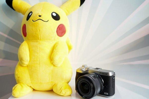 Máy ảnh Canon EOS M6 kích thước gọn gàng