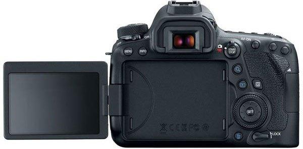 Bạn có thể tự tin chụp ở các tư thế khác nhau với màn hình xoay lật của máy ảnh Canon 6D Mark II