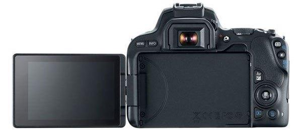 Vẫn chỉ là khả năng quay video 1080p được trang bị trên chiếc máy ảnh Canon này, một con số phù hợp với người dùng không chuyên