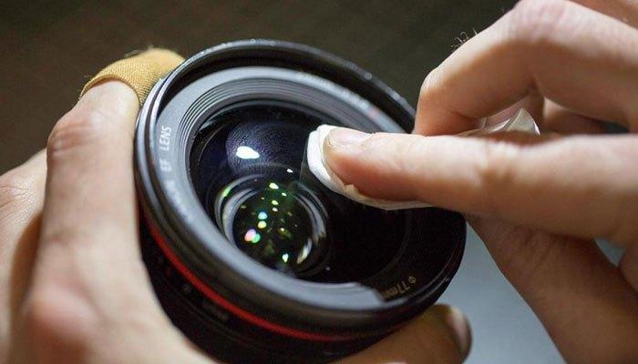 Vệ sinh máy ảnh thường xuyên