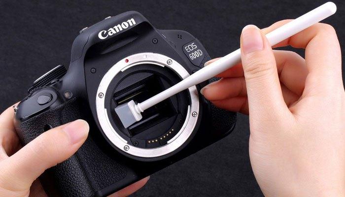Vệ sinh mọi bộ phận máy ảnh