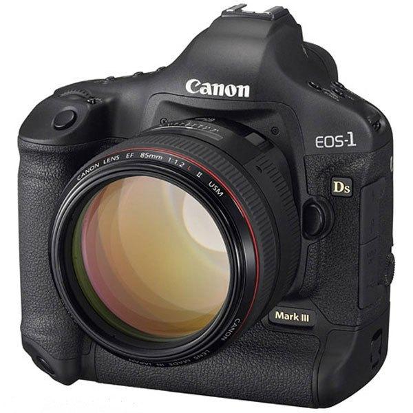 Ống kính 85mm F/1.2L của Canon có giá thành khá cao nên khó tiếp cận được nhiều người chơi máy ảnh