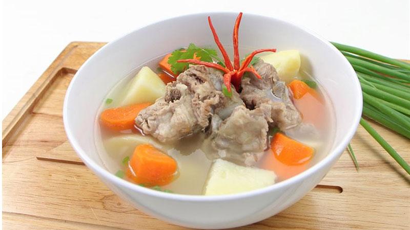 Canh cà rốt khoai tây nấu xương - món chốt hạ ngọt thanh