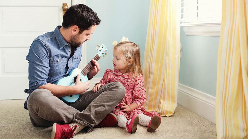 Chăm sóc con thay vợ là cách giúp cô ấy có thêm thời gian nghỉ ngơi