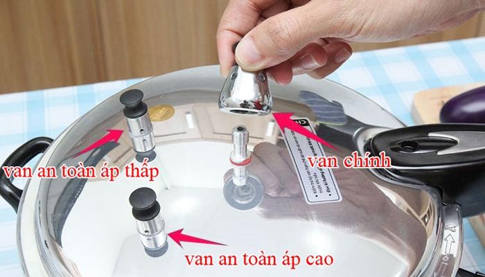 Nồi áp suất 1 van chính và 2 van phụ bảo vệ tối ưu cho người dùng