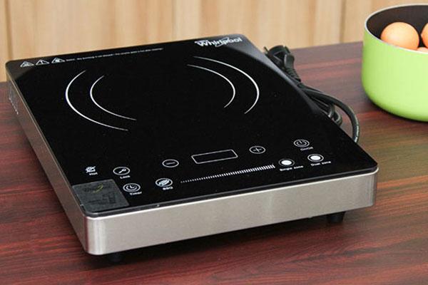 Bếp hồng ngoại Whirlpool ACT313 với 2 vòng lửa hỗ trợ tối ưu trong nấu nướng cho các bà nội trợ