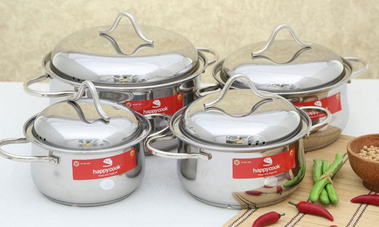 Nồi với chất liệu inox 430 cao cấp, đáy 3 lớp tương thích với bếp từ