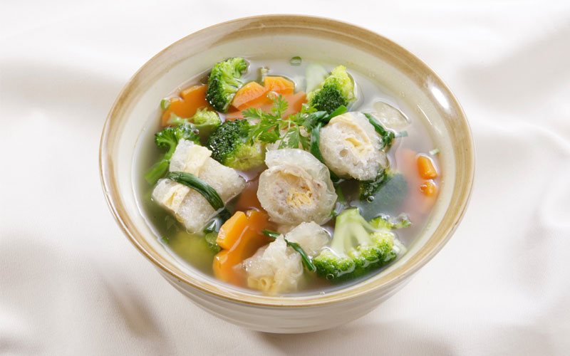 Bạn nên nấu canh theo đúng khẩu phần ăn để không bị thừa mứa
