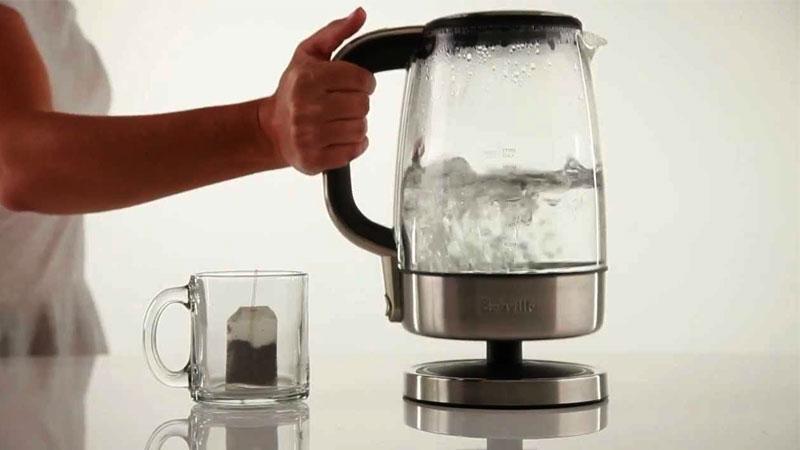 Đun sôi nước giúp loại bỏ vi khuẩn gây bệnh cho người sử dụng nhưng đun sôi nhiều lần thì lại là chuyện khác