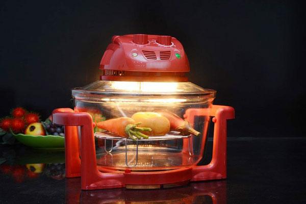 Một chiếc lò nướng thủy tinh sẽ là công cụ hỗ trợ đắc lực giúp bạn hoàn thành món bánh nhanh chóng