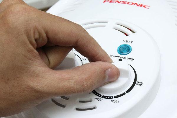 Lò nướng thủy tinh tự vệ sinh sẽ giúp bạn tiết kiệm tối đa thời gian để thực hiện những công việc khác