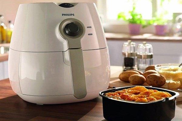 Bạn còn có thể nướng những loại thực phẩm như: khoai tây, cá,… trong lò nướng không cần dầu ăn