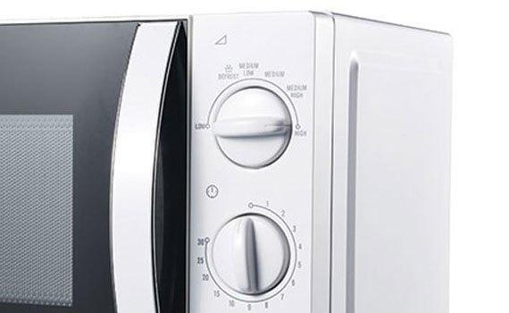 Lò vi sóng Electrolux EMM2023MW có nút điều chỉnh nhiệt độ