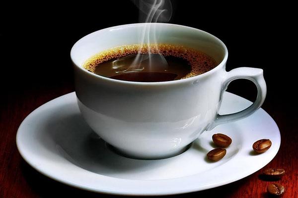Máy không cho ra cà phê nóng có thể là do chưa được khởi động đúng cách