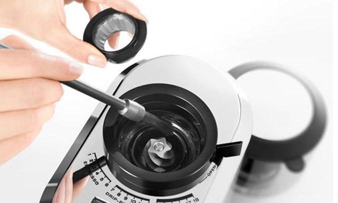 Máy xay cà phê Delonghi KG521.M có nhiều mức xay