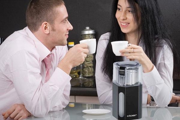 Thiết kế đơn giản, dễ sử dụng giúp máy xay cà phê Cloer 7589 trở thành sự lựa chọn tuyệt vời cho người dùng