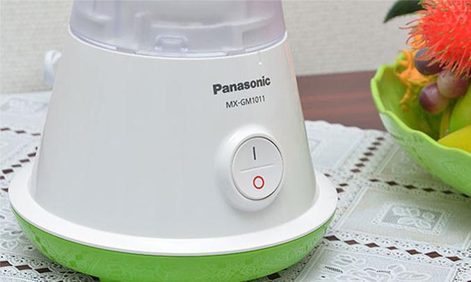 Máy xay sinh tố Panasonic MX-GM1011 có 1 nút bấm