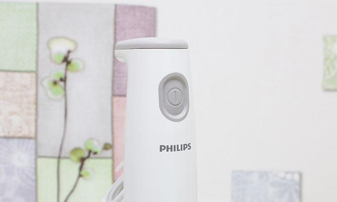Máy xay trái cây cầm tay Philips HR1600/00 vừa tay người dùng