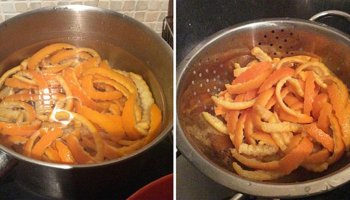 Khi luộc vỏ cam trong nồi, bạn cần để ý chắt bỏ nước sau khi sôi khoảng từ 5 – 7 phút và tiếp tục cho nước khác vào luộc. Thực hiện từ 2 – 3 lần cho vỏ cam bớt vị đắng.