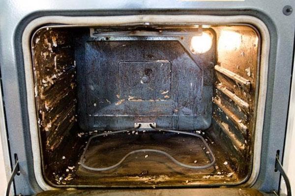 Lò nướng bị gỉ sắt vừa mất thẩm mỹ vừa gây hại đến sức khỏe người dùng