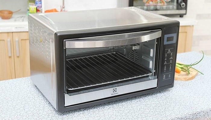 Lò nướng Electrolux EOT38DXB dung tích 38 lít, thiết kế hiện đại
