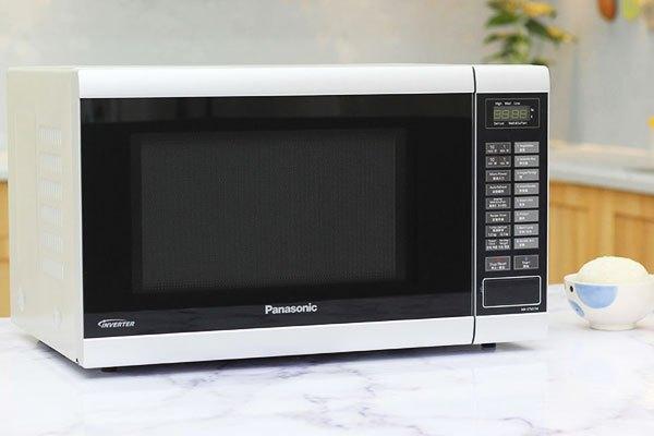 ung tích lò vi sóng Panasonic lớn cho khả năng chứa được số lượng lớn thức ăn