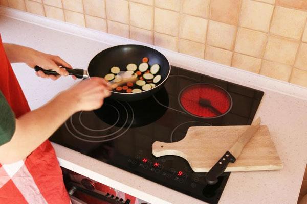 Bếp hồng ngoại không kén nồi chảo