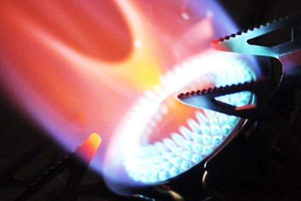 Khi thấy dấu hiệu ngọn lửa màu vàng và cháy không đều bạn nên kiểm tra lại bếp gas