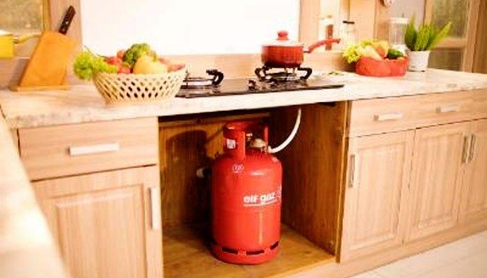 Bình gas cần được đặt trong tủ kín được khoét lỗ hoặc mở cửa tủ để đảm bảo an toàn khi sử dụng bếp gas