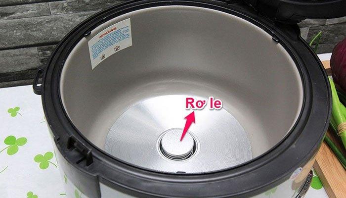 Rơle nhiệt quá cũ có thể khiến nồi cơm điện bị ngắt sớm