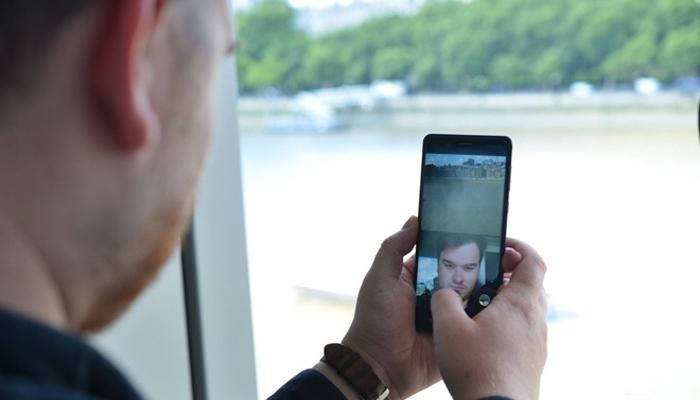Nokia 8 cho khả năng selfie tốt với độ phân giải 13MP