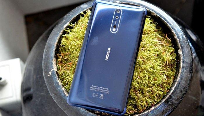Nokia 8 màu xanh dương lịch lãm