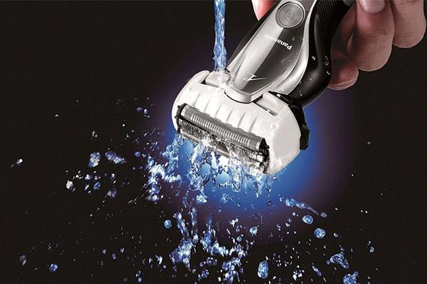 Dọn sạch râu ra khỏi thiết bị sẽ khiến chúng bền và vệ sinh hơn