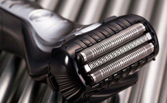 Máy cạo râu Panasonic ES-ST2N-K751 có bộ cảm biến hiện đại