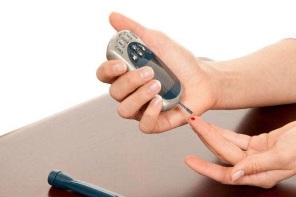 Trước số lượng người bênh tiểu đường tăng, bạn nên quan tâm sức khỏe mình ngay từ giờ bằng máy đo đường huyết
