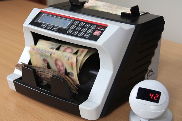 Tình trạng tiền giả tràn lan sẽ được ngăn chặn kịp thời bởi máy đếm tiền Silicon MC-2700