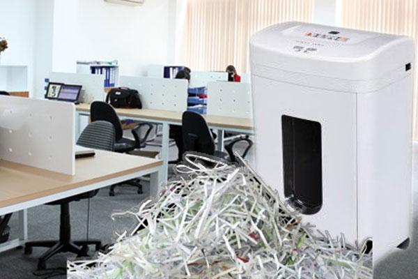 Văn phòng trở nên ngăn nắp hơn, không còn sự ngổn ngang của những tập tài liệu không sử dụng