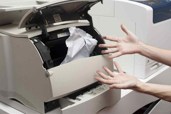 Giấy kém chất lượng tuy có giá thành rẻ nhưng sẽ làm ảnh hưởng đến sự hoạt động của máy photocopy