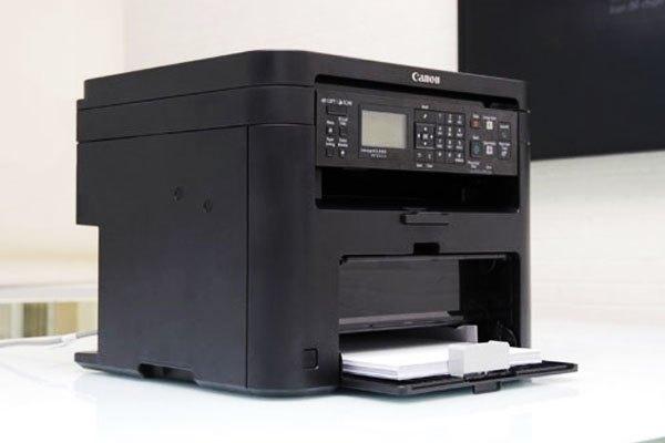 Máy in Canon MF221D hoạt động mạnh mẽ, có thể in 2 mặt tự động