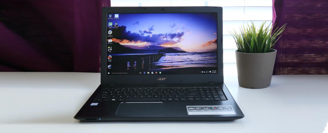 Acer Aspire E5-575-35L8 NX.GLBSV.007 được trang bị vi xử lý Intel Core i3-7100U