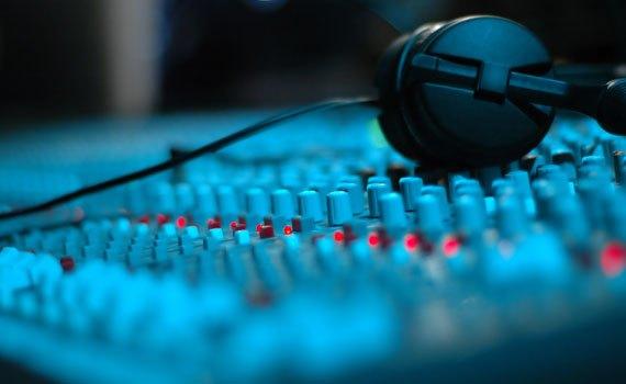 Thưởng thức âm nhạc tuyệt hảo cùng công nghệ DTS Studio Sound