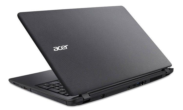 Máy tính xách tay Acer Aspire ES1-533-P9GZ có nhiều cổng kết nối hiện đại