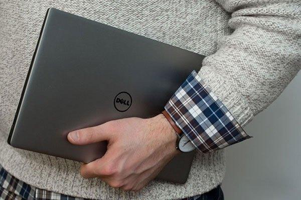 """Hãy nâng laptop như nâng """"trứng"""" để không hối hận về sau nhé!"""