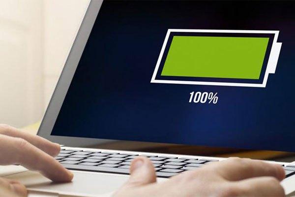 Laptop có dung lượng pin cao thuận tiện hơn cho bạn trong học tập