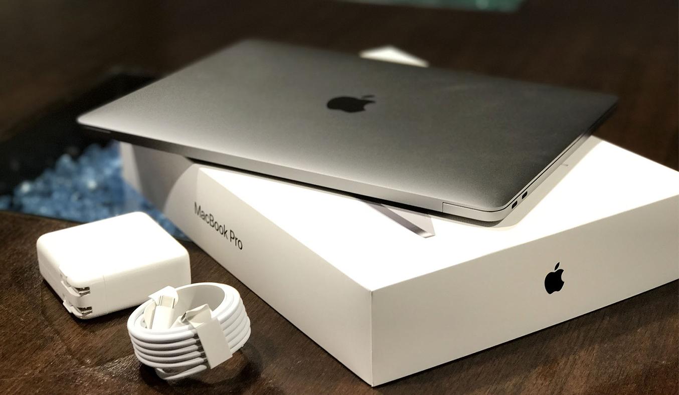Macbook Pro 13 inch 3.1GHZ 256GB (2017) sang trọng