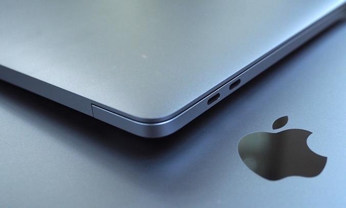 Macbook Pro 13inch 128GB (2017) nhiều cổng kết nối và chia sẽ tiện lợi