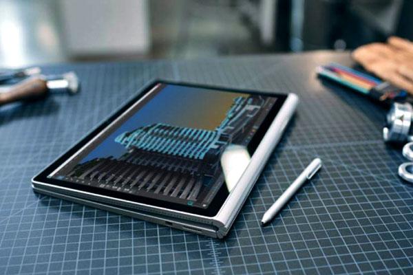 Surface Book 2 giúp bạn dễ dàng gập lại hay tháo dời thành chiếc tablet nhỏ gọn
