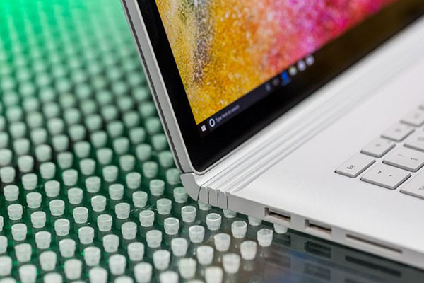 Surface Book 2 đa dạng cổng kết nối