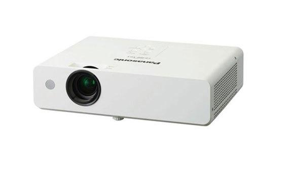Máy chiếu Panasonic PT-LB303 thiết kế gọn gàng