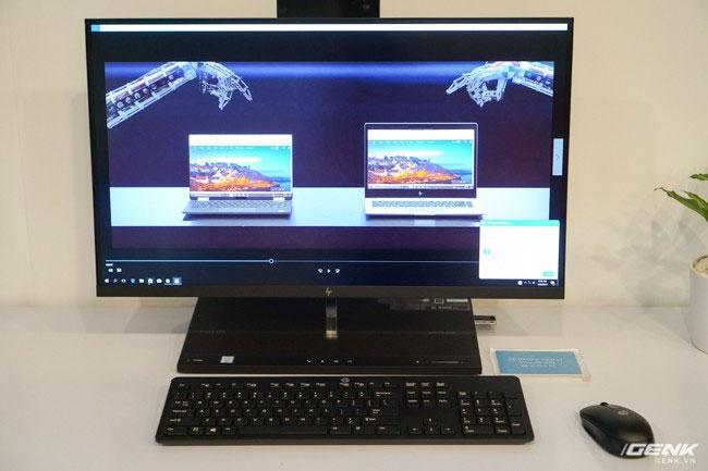 Máy được trang bị bộ xử lý 65W Intel Core i7 thế hệ 7 và bộ nhớ đệm tùy chọn Intel Optane